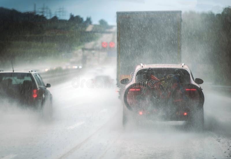 大雨高速公路交通 图库摄影