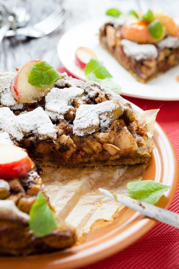 大饼酥皮糕点酥皮点心和苹果 图库摄影