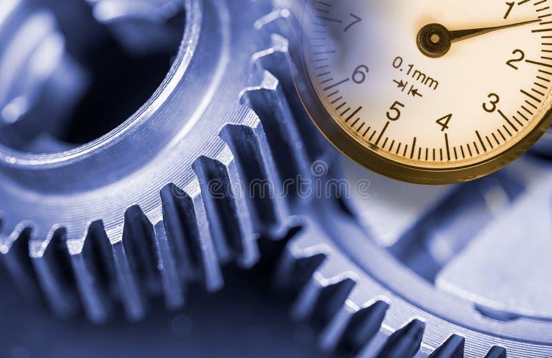 大齿轮测量特写镜头  库存照片