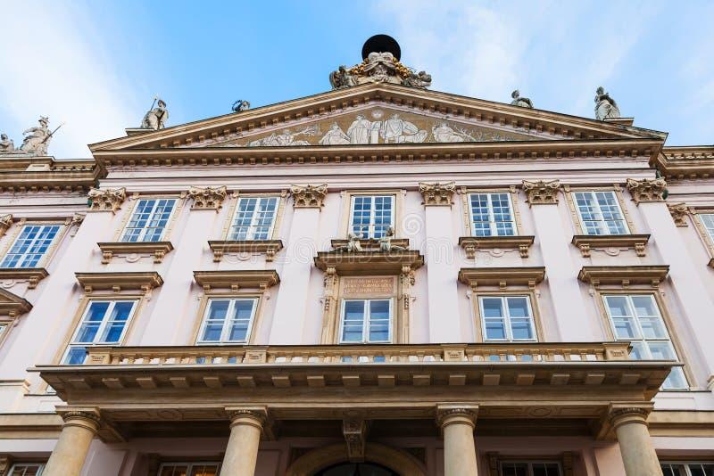 大主教宫殿门面在布拉索夫老镇 免版税库存图片