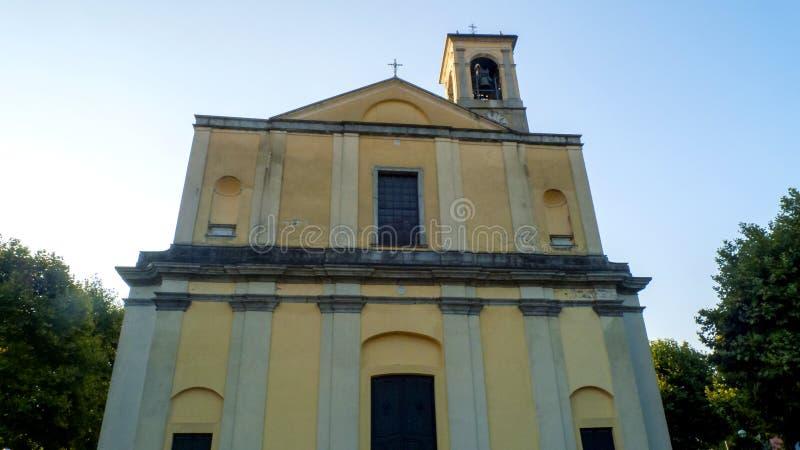 天主教圣斯特凡诺岛,在东戈,格拉韦多纳科莫湖的自治市在意大利 免版税库存照片