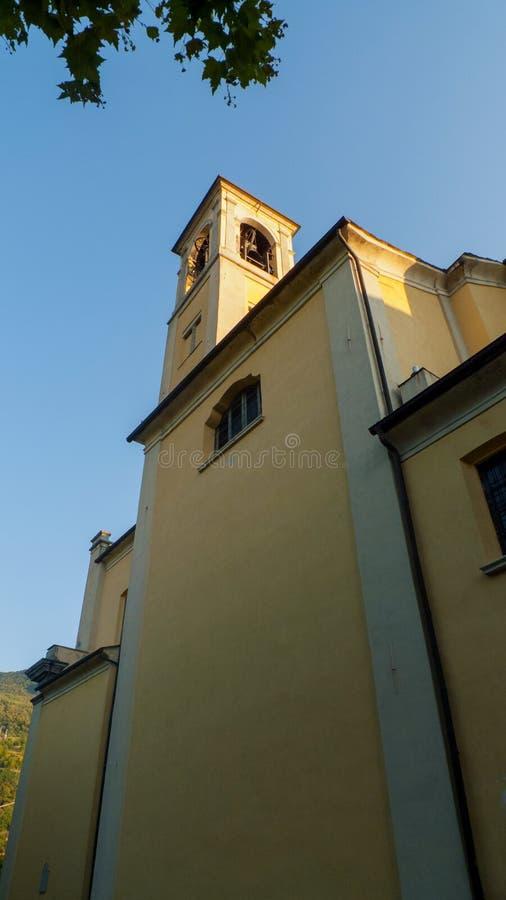 天主教圣斯特凡诺岛,在东戈,格拉韦多纳科莫湖的自治市在意大利 库存图片