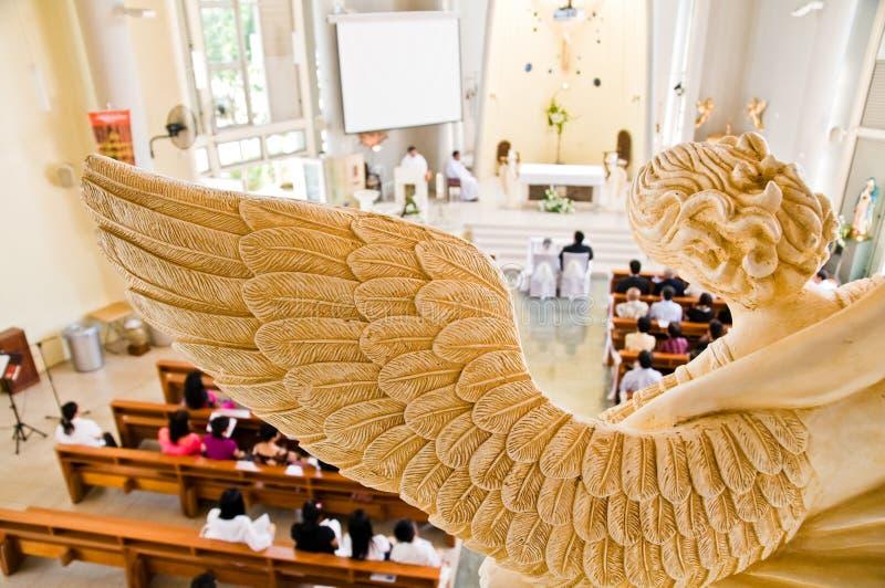 天使仪式俯视的雕象石婚礼 库存照片