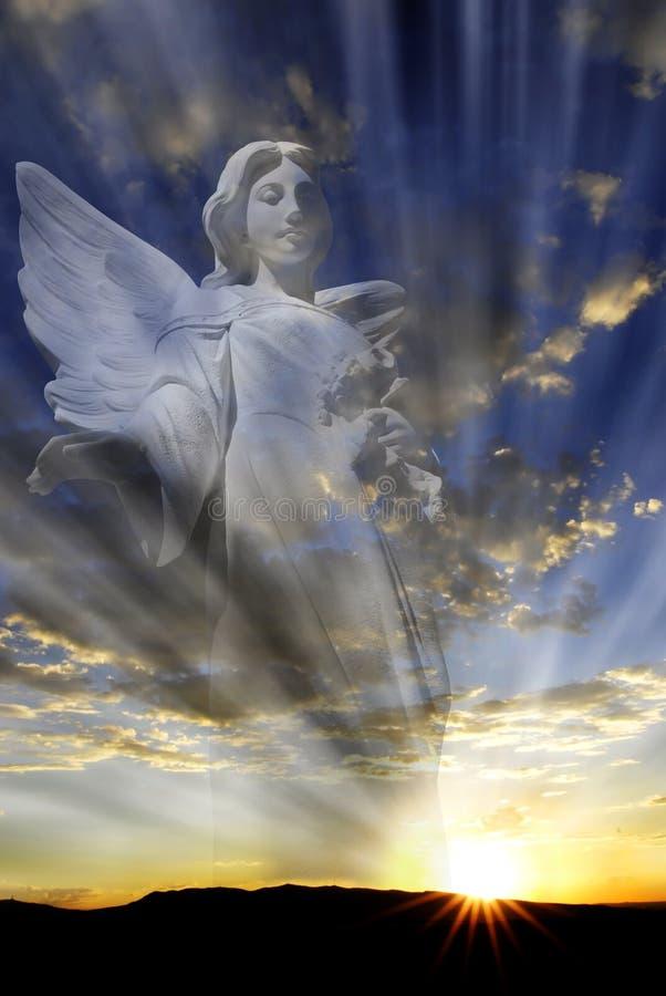天使和天堂般的光 皇族释放例证