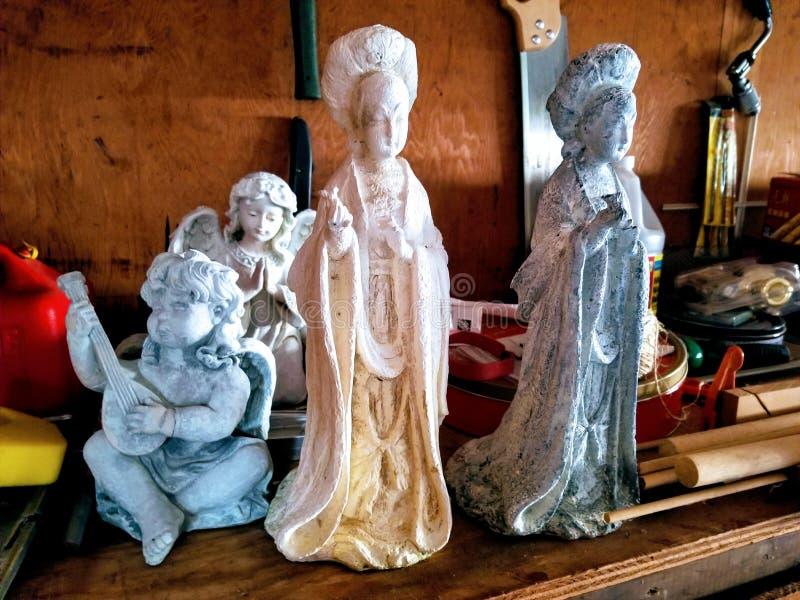天使和女神雕象  库存图片