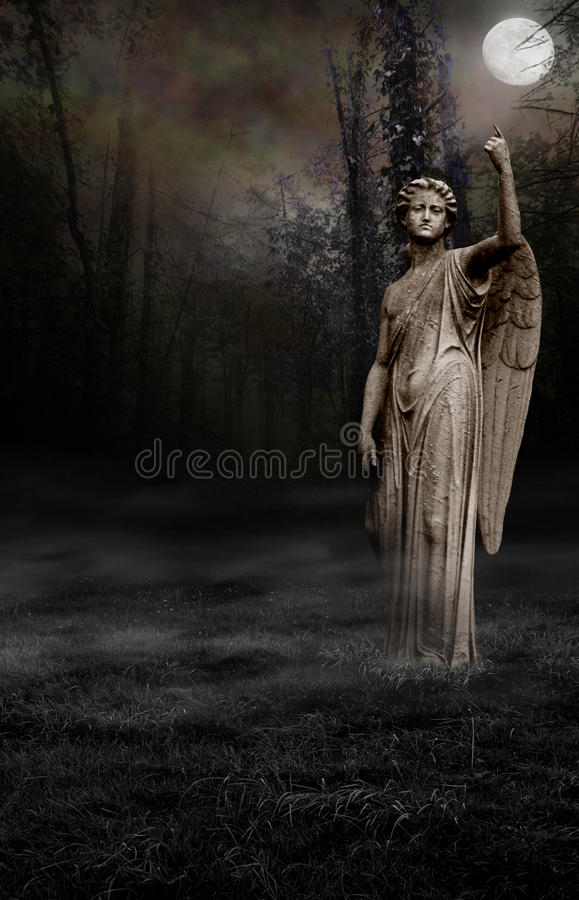 天使哥特式月亮 皇族释放例证