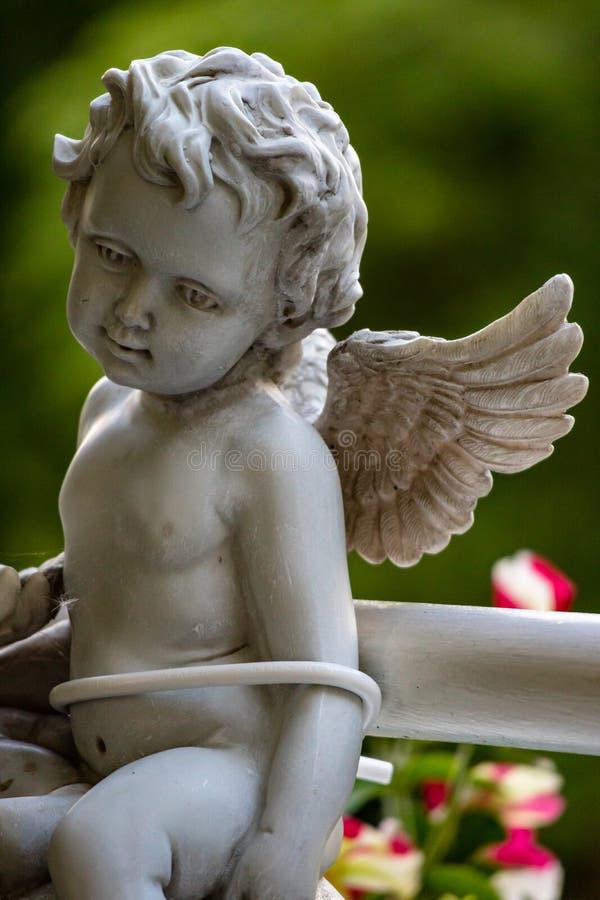 天使雕塑 库存照片