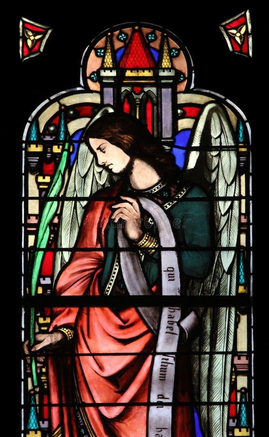 天使,从圣徒热尔曼l ` Auxerrois教会,巴黎的污迹玻璃窗 免版税库存照片