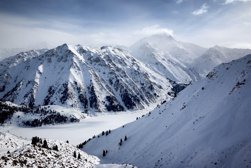 天山山的湖, Kazakshan 库存照片