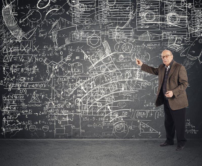 天才年迈的老师 免版税库存照片