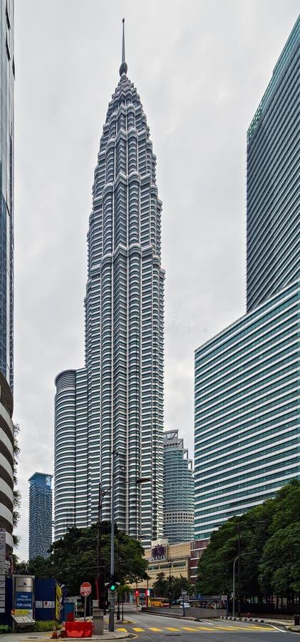 天然碱KLCC姊妹楼,大厦是吉隆坡地标马来西亚KL位于 免版税库存图片