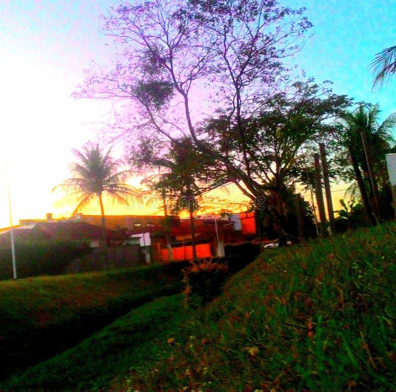 天空发光的日落 库存照片