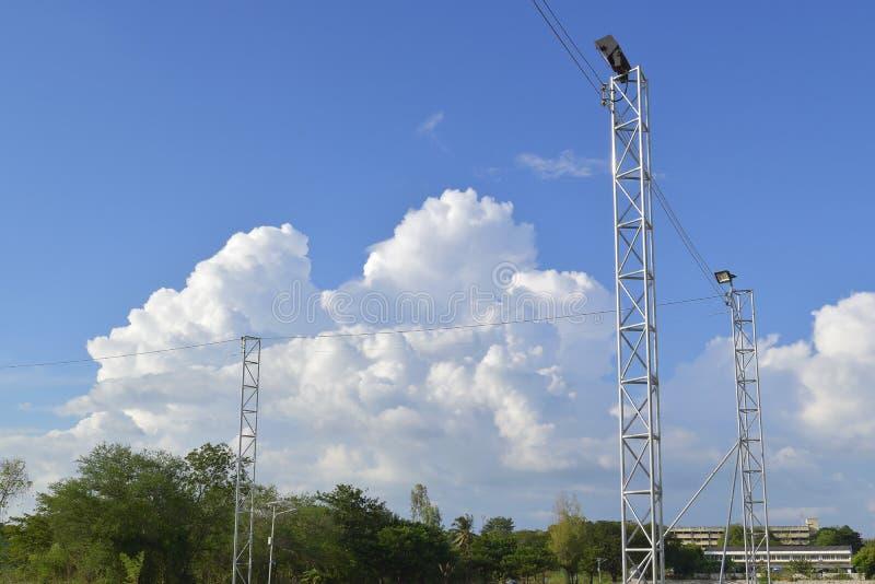 天空和地下的云 库存照片