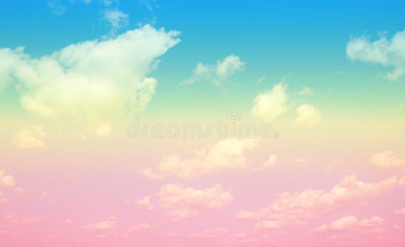 天空和软的云彩背景的淡色 库存图片