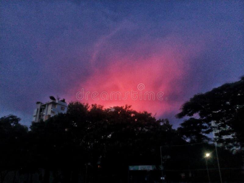 天空是红色的 库存照片