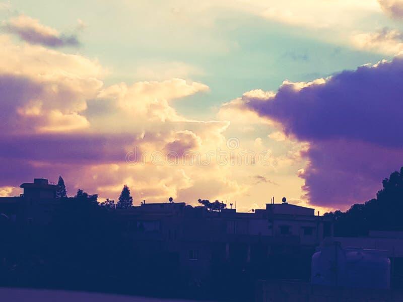 天空是迷茫的 免版税库存照片