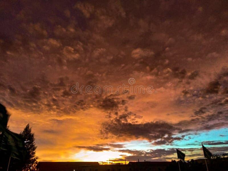天空晚上,美好的日落 图库摄影
