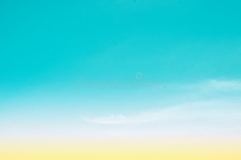 天空柔和的淡色彩 图库摄影