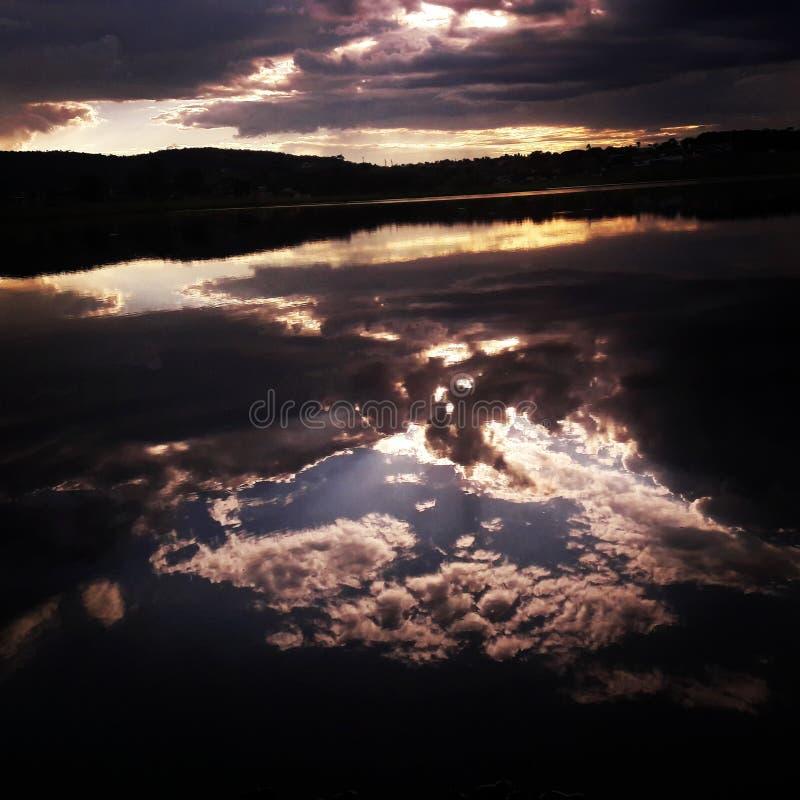 天空的镜子 免版税库存照片