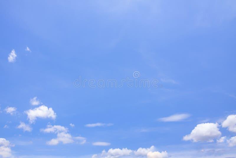 天空蔚蓝云彩自然 免版税库存照片