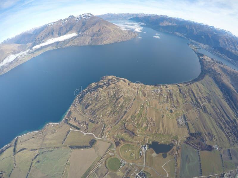 天空覆盖新西兰湖 库存图片