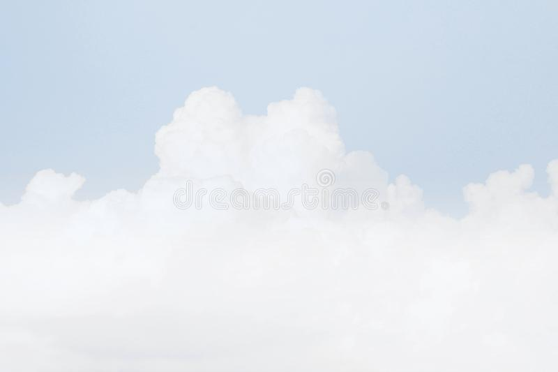天空软的云彩,天空淡色蓝色颜色软的背景 图库摄影