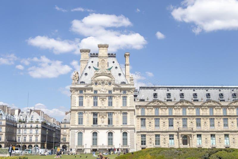 天窗宫殿和Tuileries庭院视图在巴黎,法国 库存图片