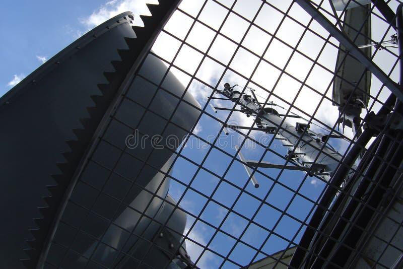 Download 天线 库存图片. 图片 包括有 行业, 网格, 技术, 收音机, 金属, 信号, 天线, 天空, 建筑 - 52407