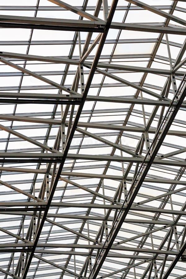 天花板建筑由金属制成 免版税库存照片