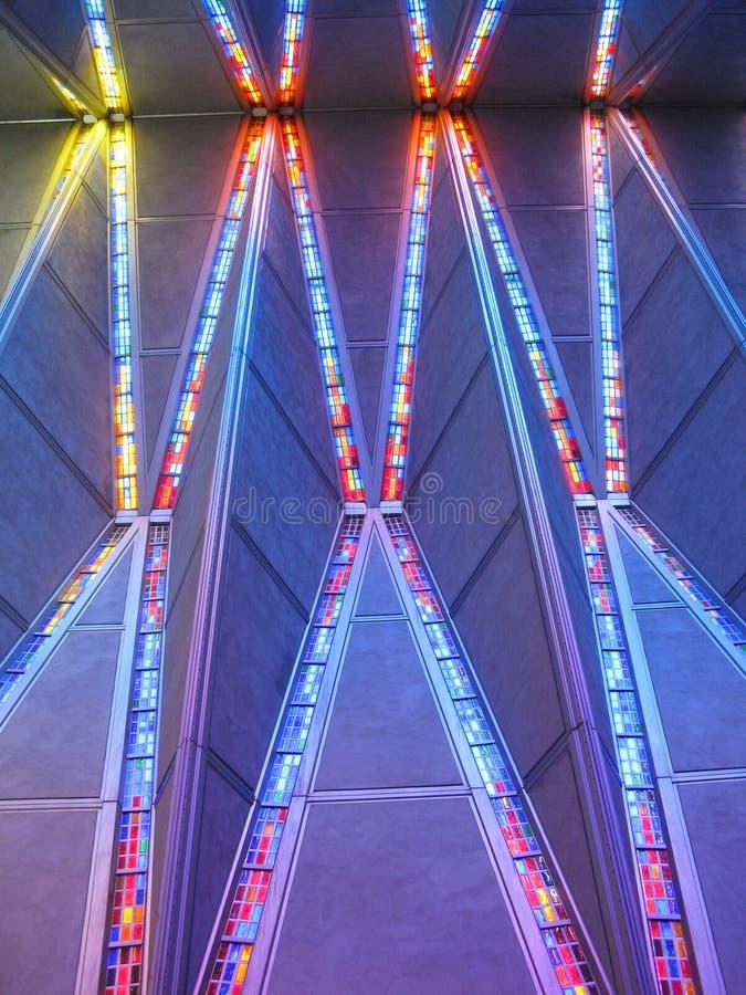 天花板看法在军校学生教堂里面的 免版税库存照片