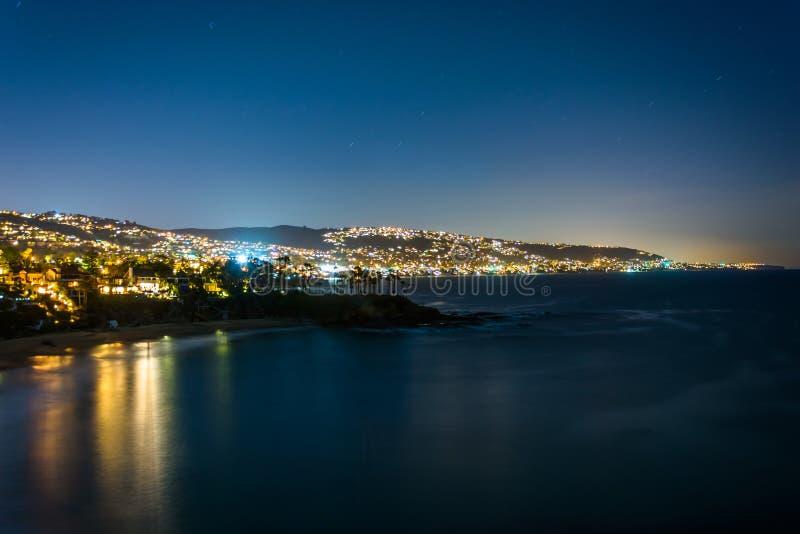 太平洋的看法和拉古纳在晚上靠岸 免版税库存照片