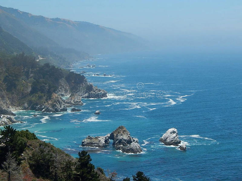 太平洋视图和清早薄雾 库存照片