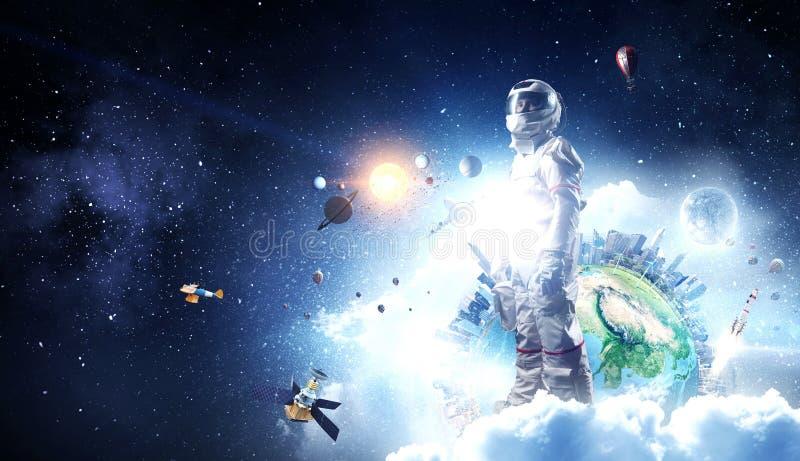 太空人和他的使命 r 库存图片
