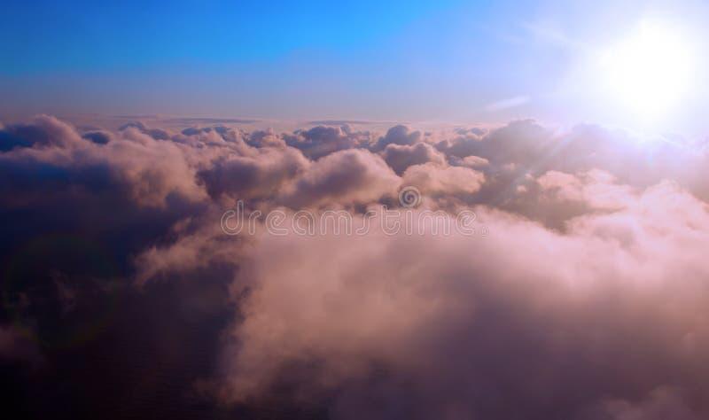 太阳云彩高度 库存图片