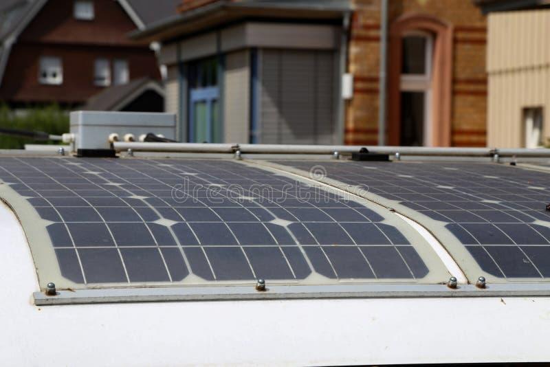 太阳供给动力的铁路车 免版税图库摄影