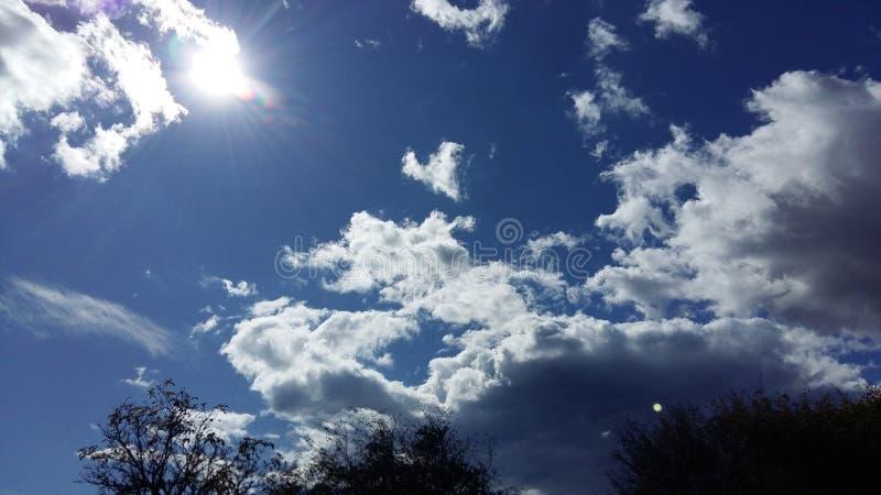 太阳和天空 免版税库存照片
