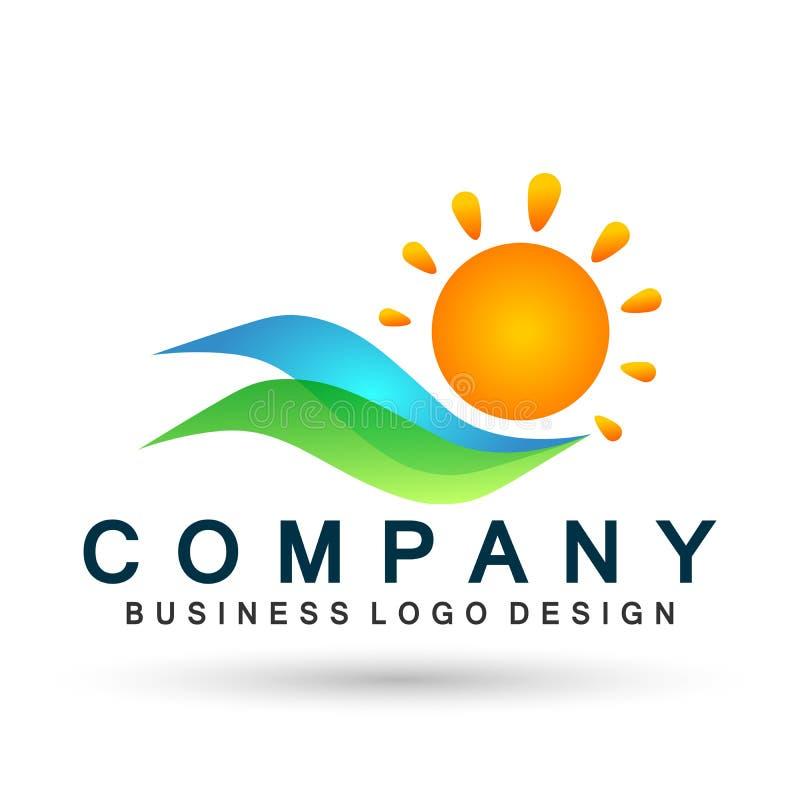 太阳和水波商标海波浪海洋海滩商标模板传染媒介净水概念商标象在白色背景的元素标志 库存例证