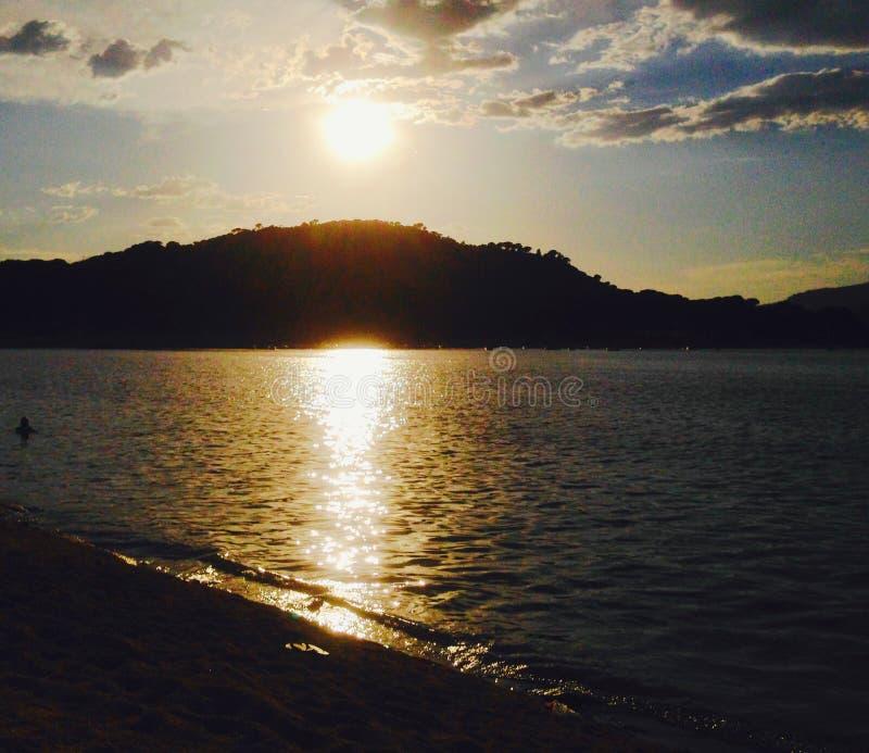 太阳在湖 免版税图库摄影