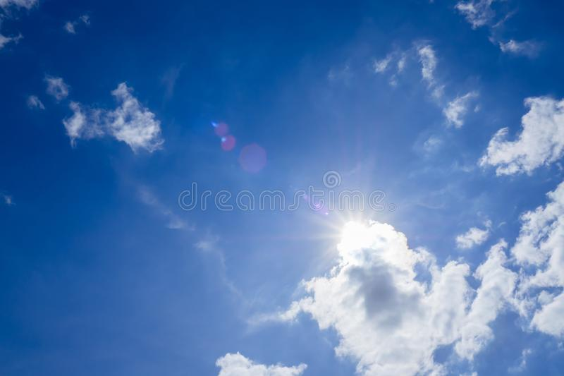 太阳在白天 免版税库存照片