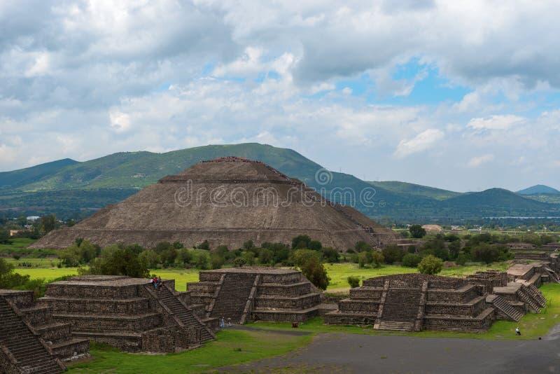 太阳墨西哥的金字塔 免版税库存照片