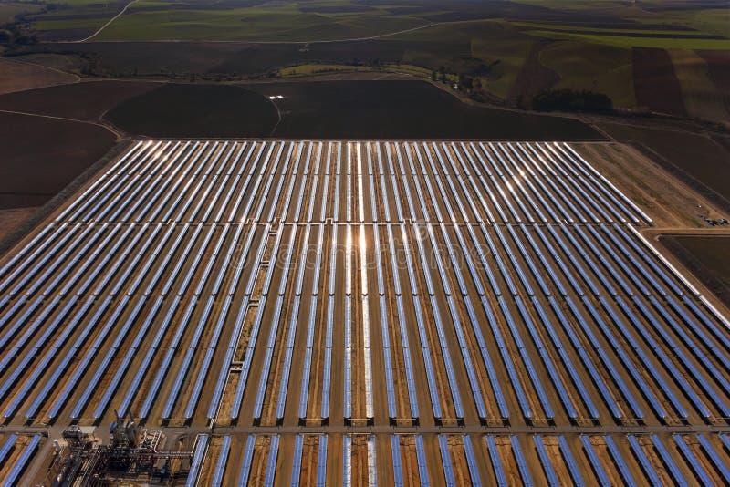 太阳抛物面工厂的次幂 免版税库存图片