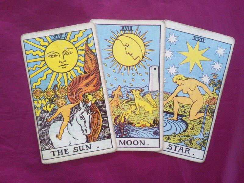 太阳月亮星占卜用的纸牌 库存图片