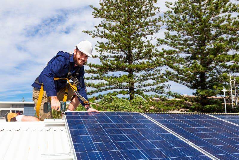太阳电池板技术员 图库摄影