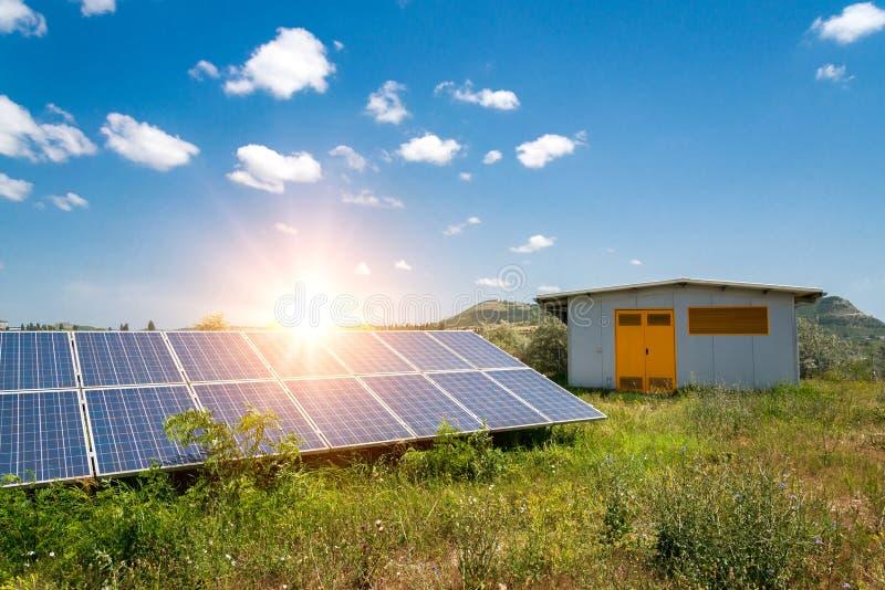 太阳电池板,光致电压,供选择的电来源 库存图片