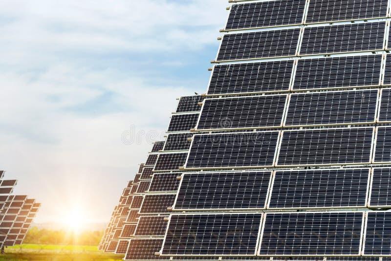 太阳电池板,光致电压,供选择的电来源 免版税库存照片