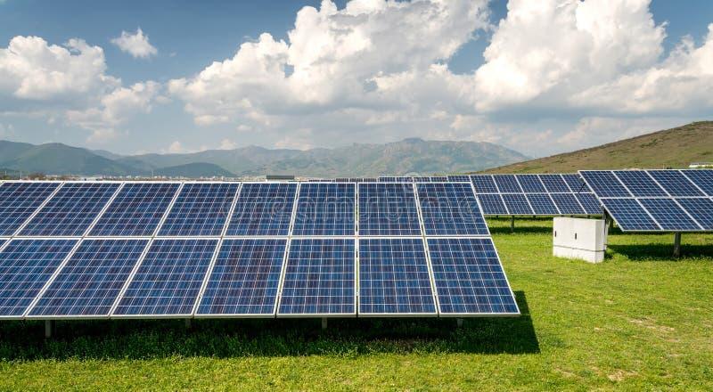 太阳电池板,光致电压,供选择的电来源 免版税图库摄影