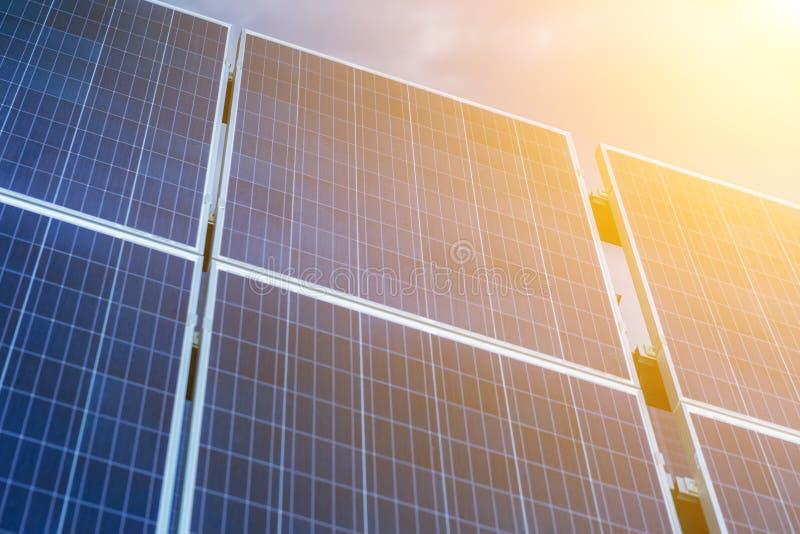 太阳电池板,环境光致电压,其来源f 免版税库存图片