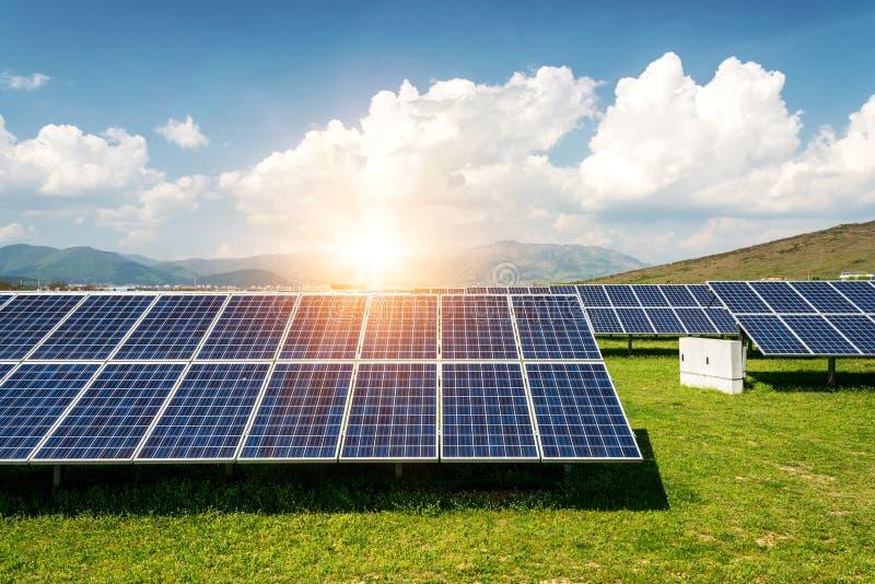 太阳电池板, photovoltaics,供选择的电来源-能承受的资源的概念 图库摄影