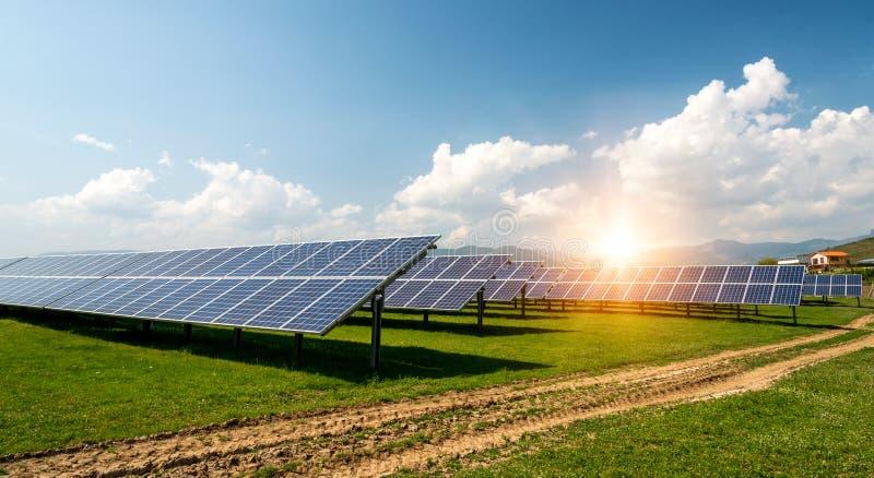 太阳电池板, photovoltaics,供选择的电来源-能承受的资源的概念 免版税图库摄影