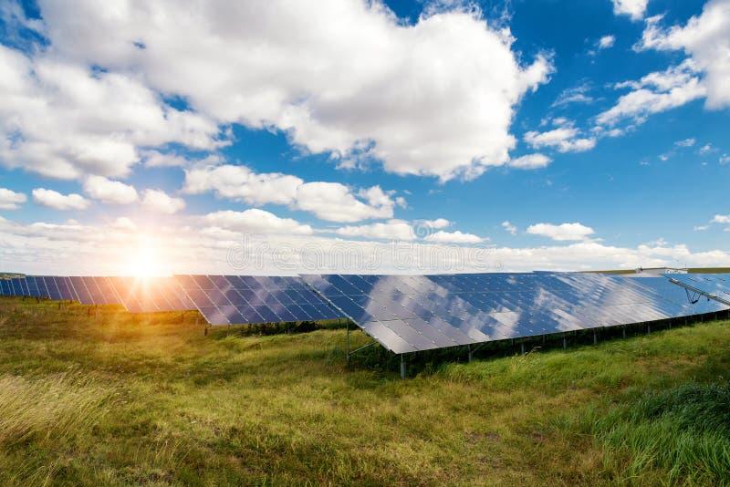 太阳电池板, photovoltaics,供选择的电来源-能承受的资源的概念 库存图片